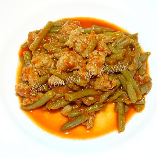 Haricots verts à la tomate et chair à saucisses14