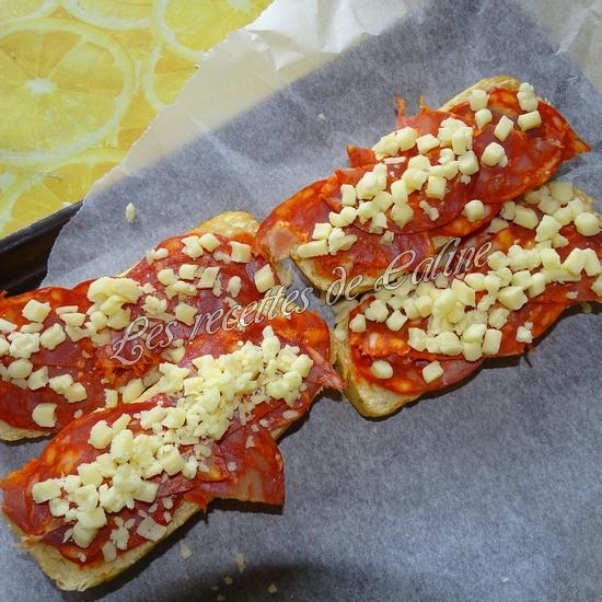 Petit pain pizza au chorizo08