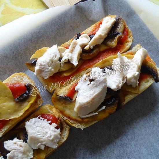 Petit pain pizza au poulet, champignons et boursin11