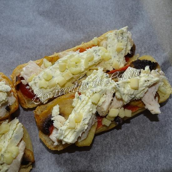 Petit pain pizza au poulet, champignons et boursin16