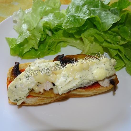 Petit pain pizza au poulet, champignons et boursin17